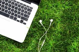 laptop outdoor 1